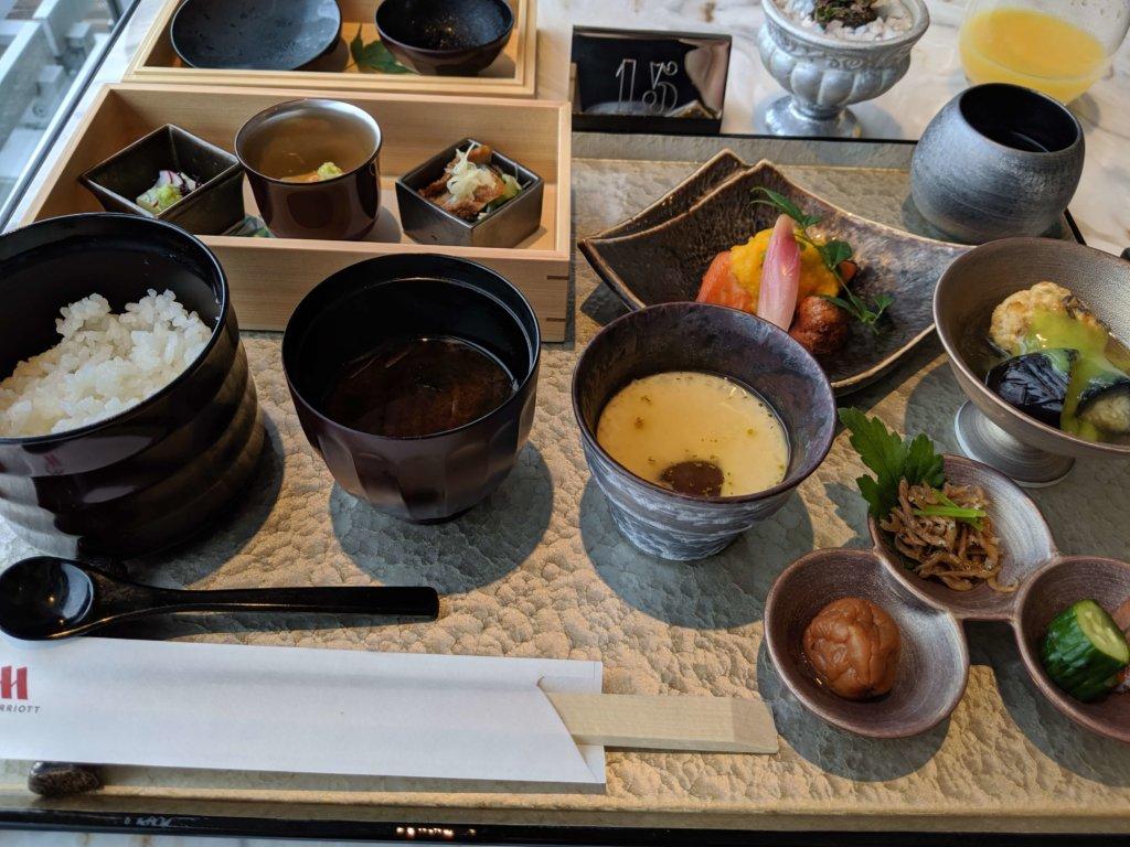 【ラウンジ】朝食